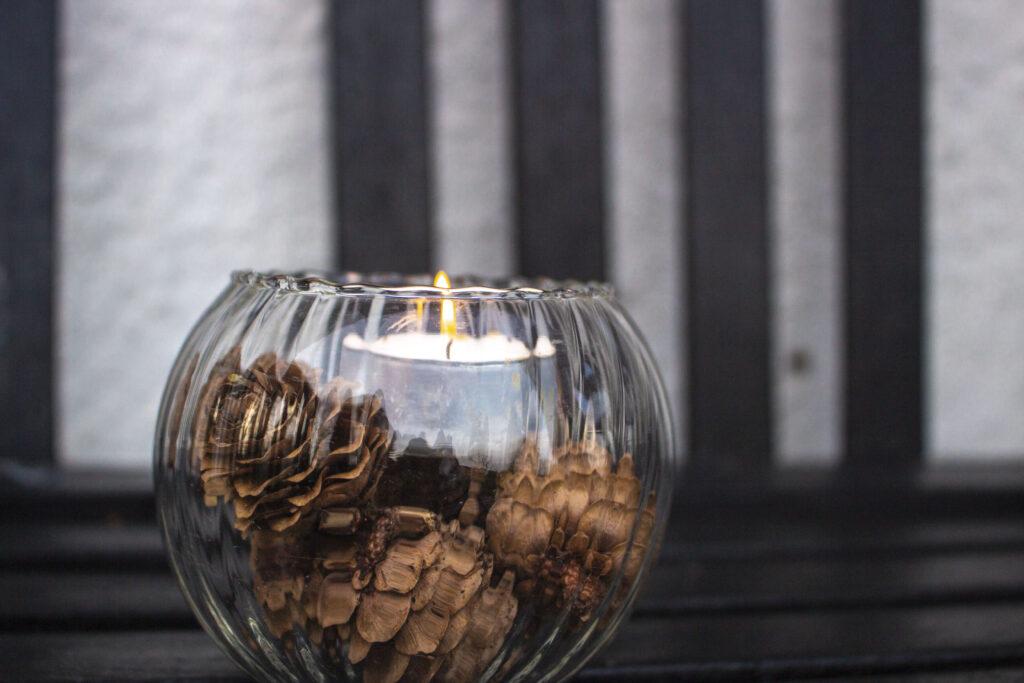 Skab hygge med lys & lanterner