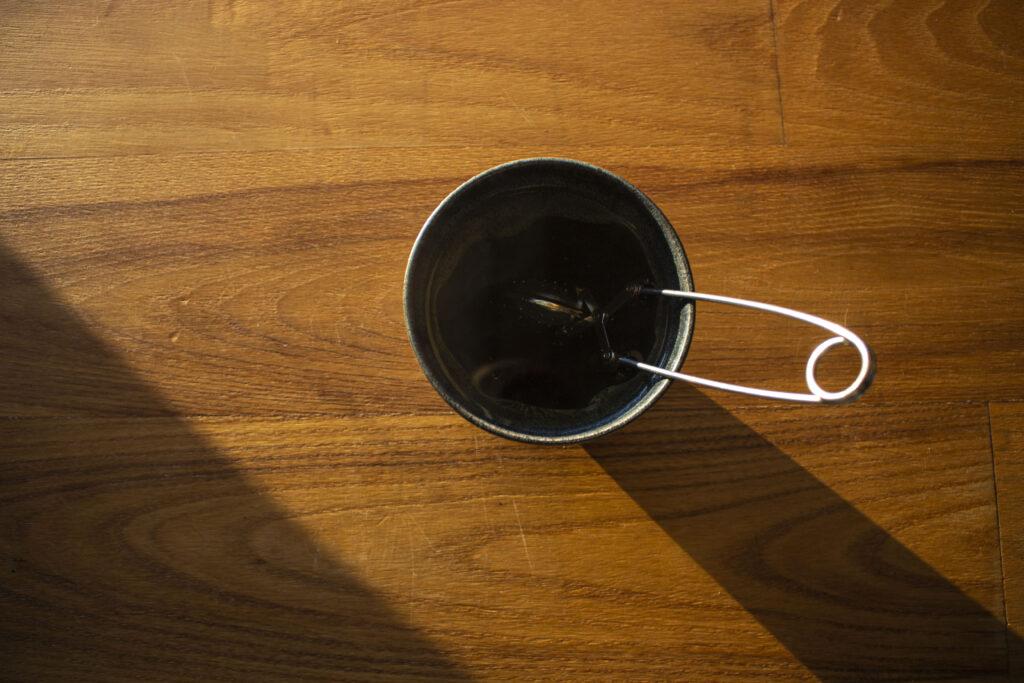 En nem opskrift på te med brændenælde